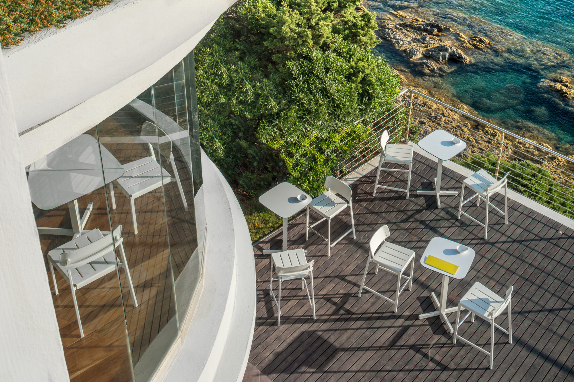 Sgabelli e tavoli shine fotografo brescia ottavio tomasini