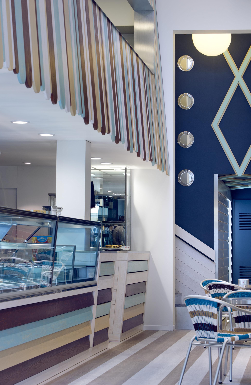 Architetto antonio gardoni interno del negozio for Negozio di arredamento d interni