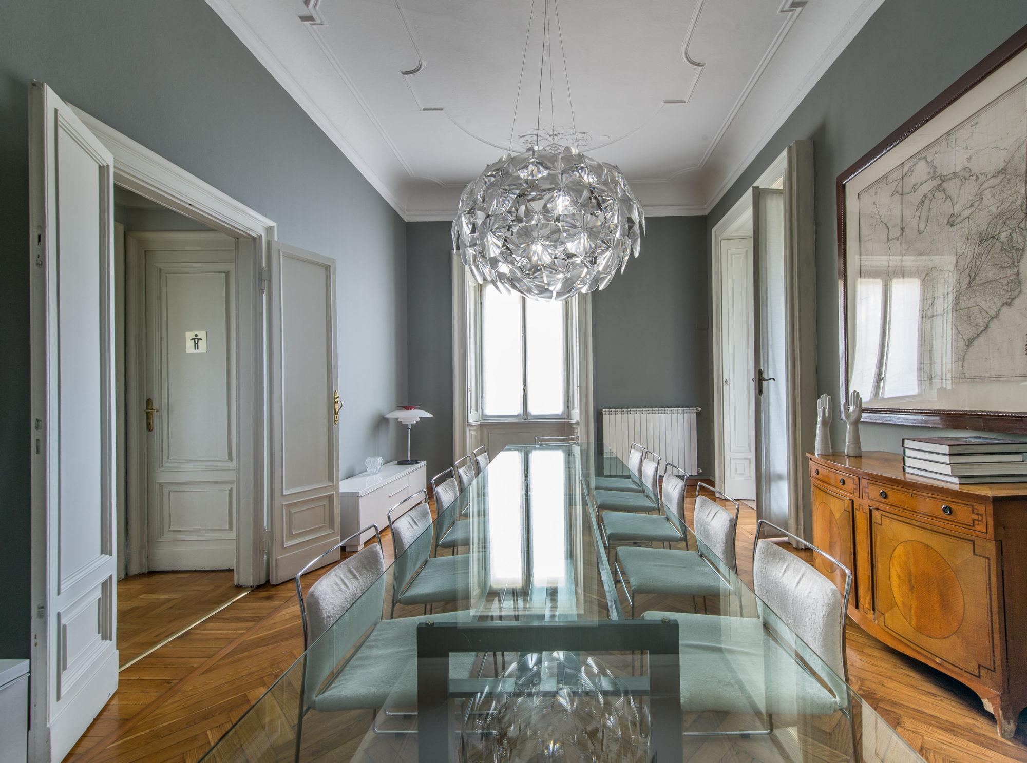Architetto carlo dal bianco sala riunioni fotografo for Architetto arredamento interni