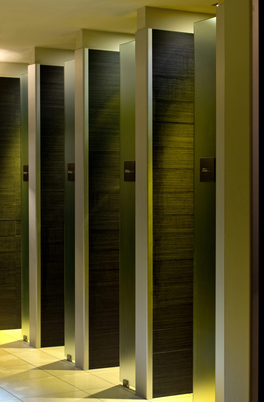 Docce dello spogliatoio fotografo brescia ottavio tomasini for Arredamento officina meccanica