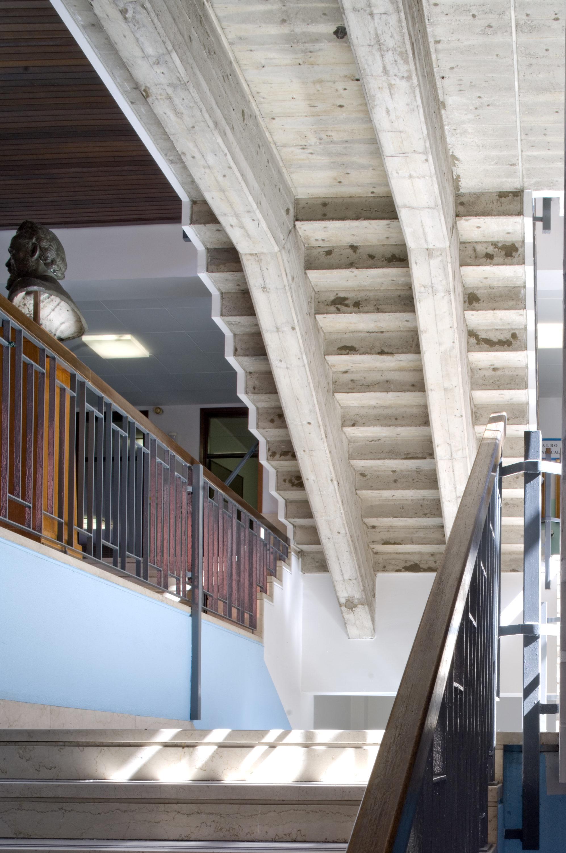 Architetto luigi fasser scala scuola in viale piave for Scuola arredatore d interni