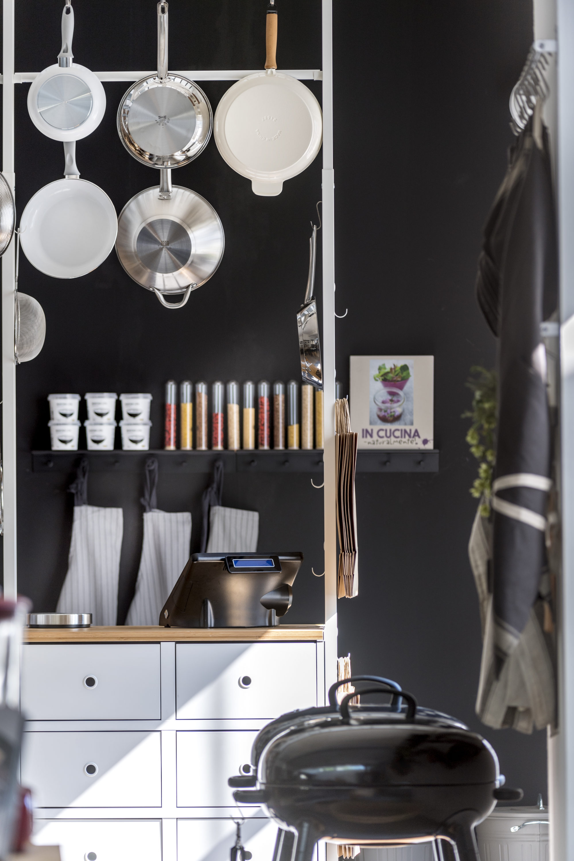 Elvarli dettaglio negozio utensili per cucina fotografo - Ikea utensili cucina ...