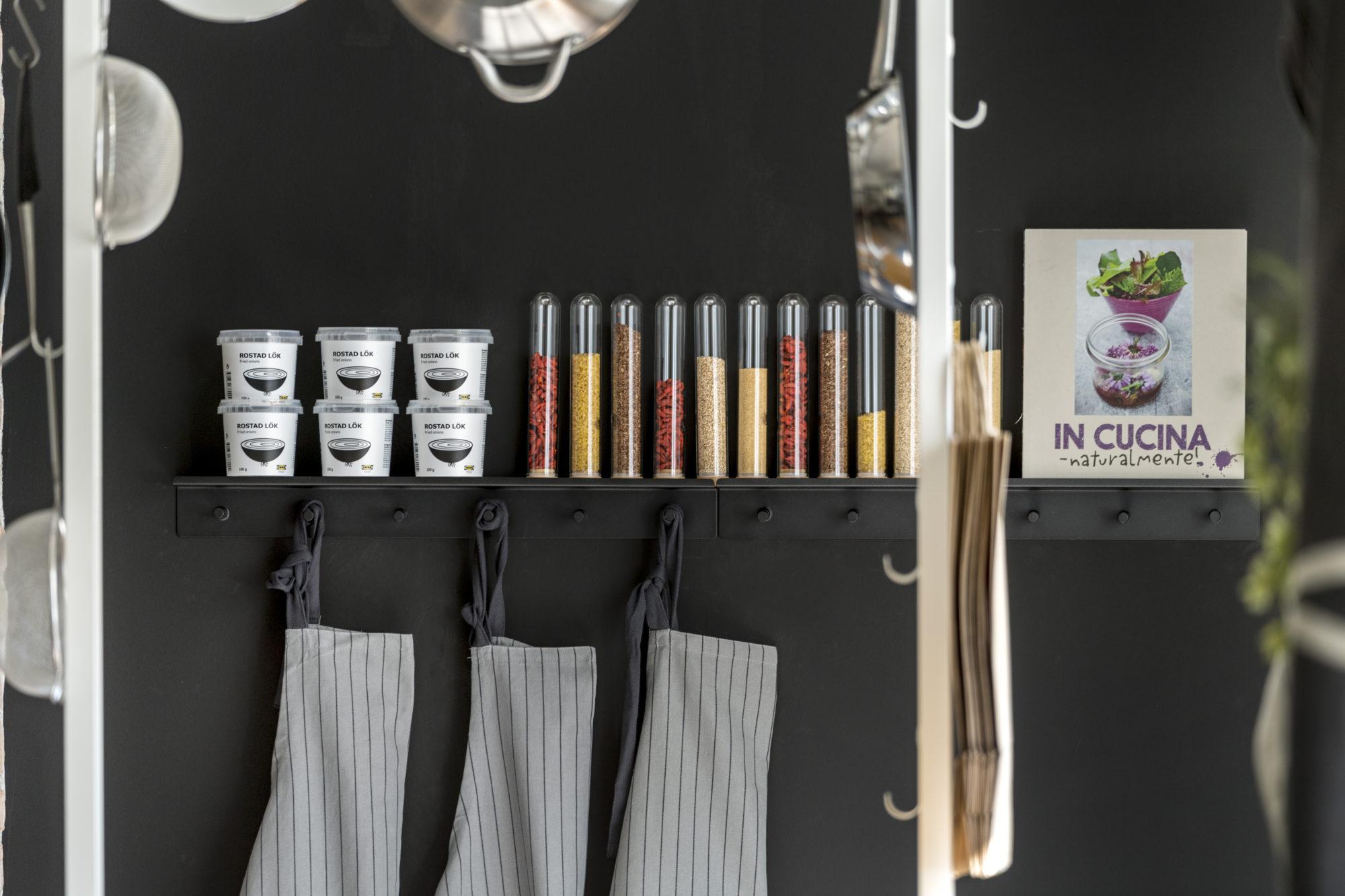 Elvarli: dettaglio negozio utensili per cucina - Fotografo Brescia ...