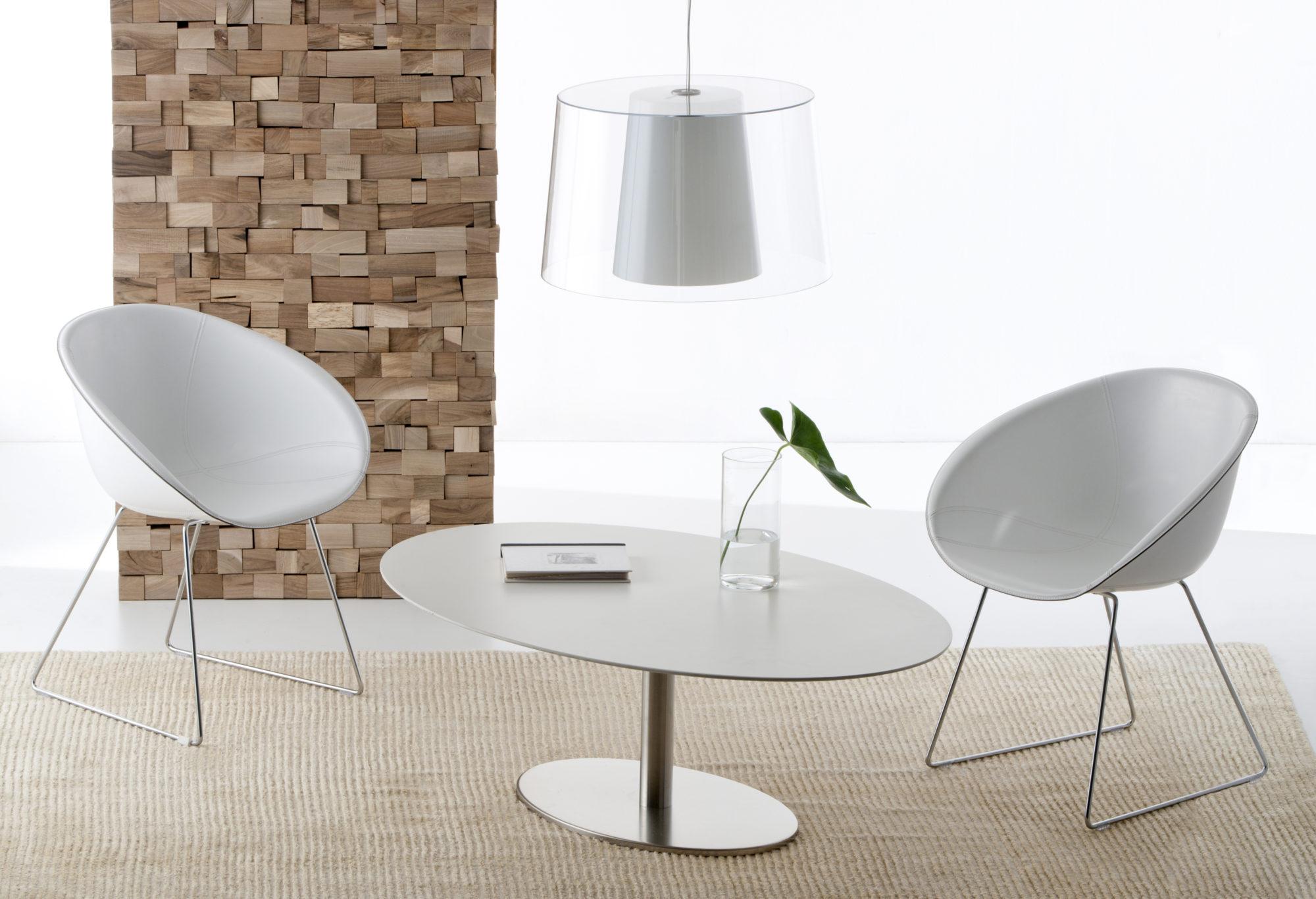 Sedia gliss tavolo elliptical e lampada l001s fotografo for Pedrali arredamento