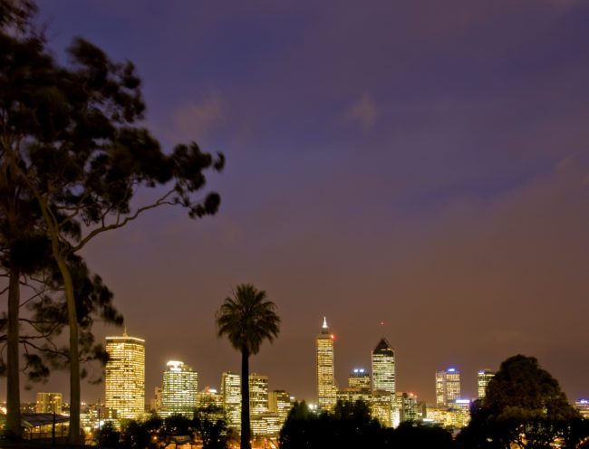 La downtown di perth di notte